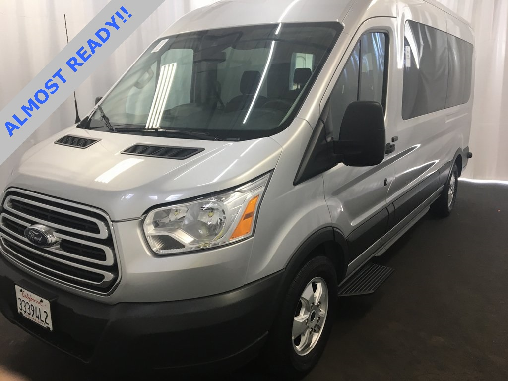 Pre owned 2018 ford transit 350 xlt medium roof 15 passenger wagon